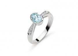 Aquamarine and diamonds Ring